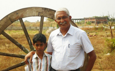 Capt-Ramesh-Babu-with-Hari-Ashwin-A-Home-For-Rema-Project-2014