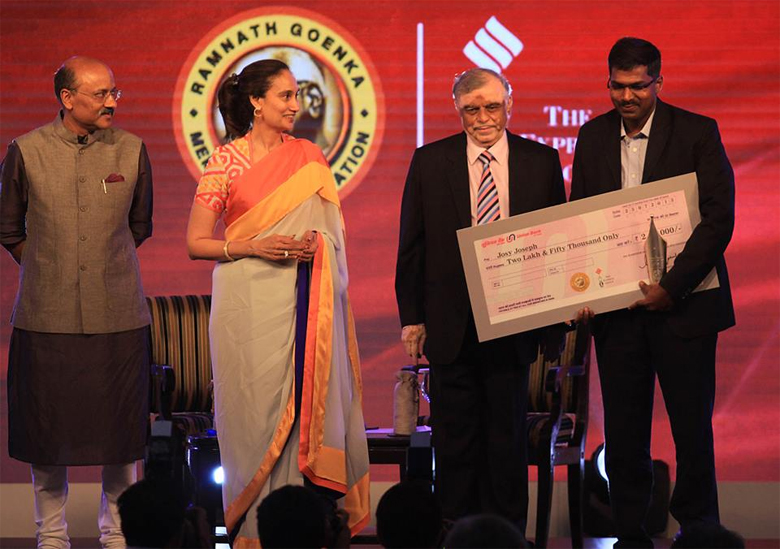 Josy-Joseph-receives-the-Ramnath-Goenka-award-2012